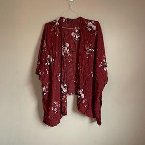 Torrid size 5/6 red floral kimono wrap shrug EUC